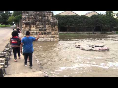 Texas Storms Flood Waters Round Rock TX 5/24/15 Video 2