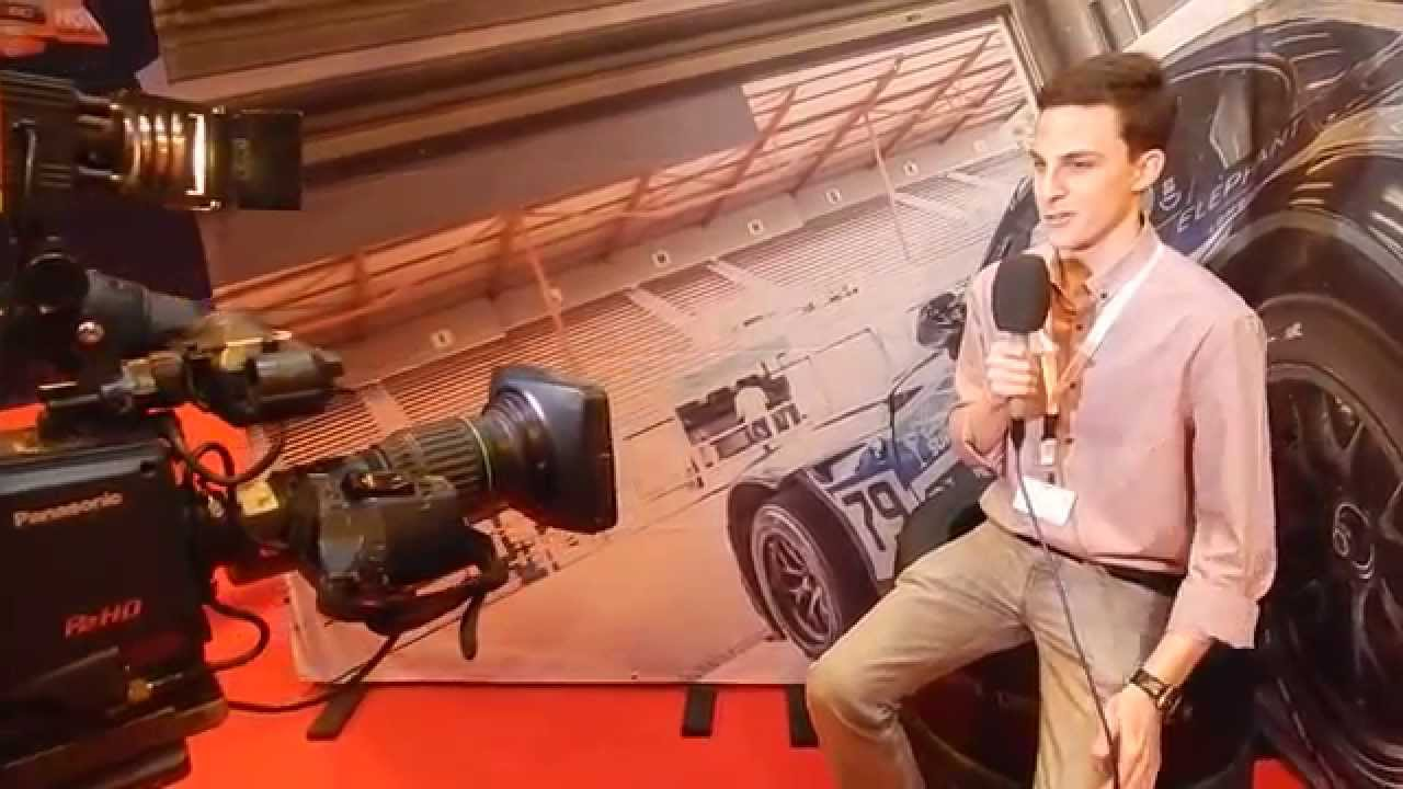 Presenting at the motors tv uk stand autosport for How to watch motors tv online