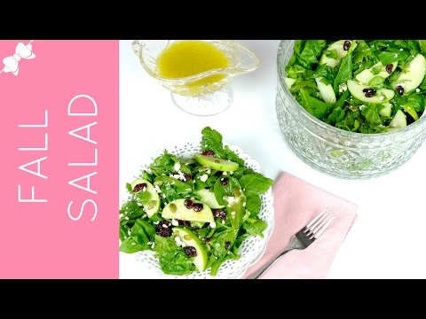 Healthy Thanksgiving Spinach Salad with Apple Cider Vinegrette // Lindsay Ann Bakes