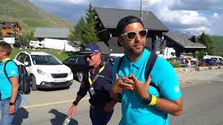Смотреть Иван Ургант с командой Астана на Тур де Франс 2018 онлайн