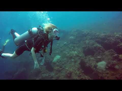 Baptême de plongée Alexia Abyss Amed Bali Indonésie