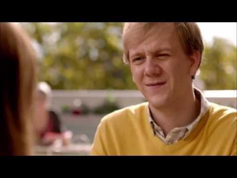 Please Like Me - pivot Trailer