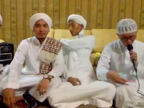 AL munsyid muhammad hasan djauhary bersama (al qomar) mecca 2009