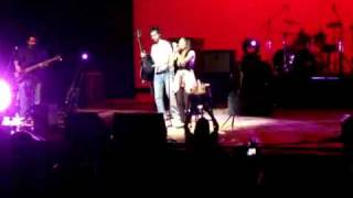 Download Hindi Video Songs - Atif Aslam calling girl on stage for a song - New York July 2010