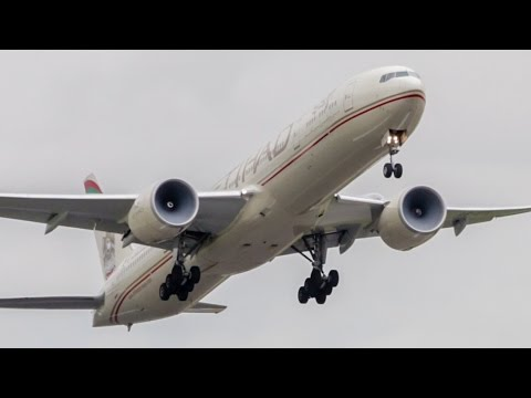 4x POWERFUL Heavy Aircraft Takeoffs Melbourne Airport - Ft Boeing 777, 747, 787
