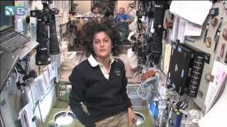 ЭКСКУРСИЯ ПО МКС от астронавта NASA (русский перевод)(Наш сайт: http://simplescience.ru Адаптировано на русский язык