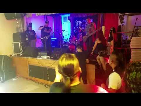 Demencia Alkoholika en el salon holland hall Quens New yorK 8/10/2017