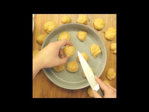 Plikyti pyragaičiai su kremo įdaru ir šokoladu
