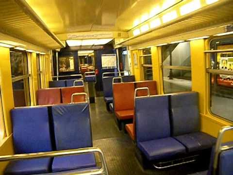 Rer b int rieur d 39 une rame mi79 non r nov youtube for Edha interieur b v