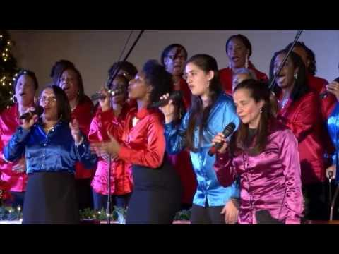 Glory to God in the highest - Christmas Community Choir 2016