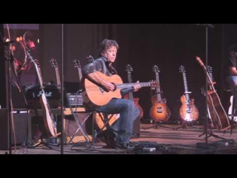6) Taylor Guitars - Wayne Johnson plays Jazz