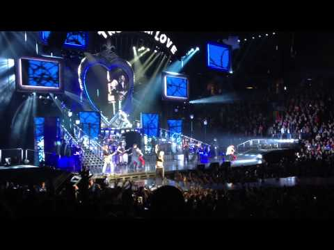U and ur hand (end clip) ~ P!NK Boston TD Garden 3/28 Truth About Love Tour