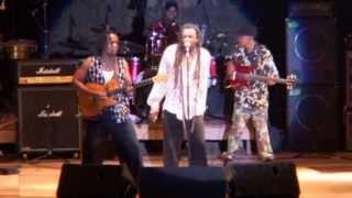 Soba Gedéon apresenta o ultimo concerto do Lucky Dube (dernier concert)