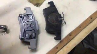 Замена тормозных дисков с колодками на Mazda3 и как вдавить поршень суппорта