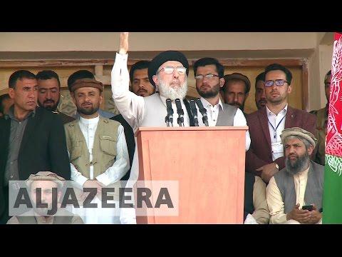 Gulbaddin Hekmatyar, leader of Hezb-i-Islami, speaks in Kabul