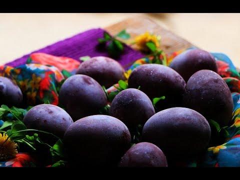 Farbanje jaja u vinu - Prirodno ljubičasta svetlucava jaja za Uskrs