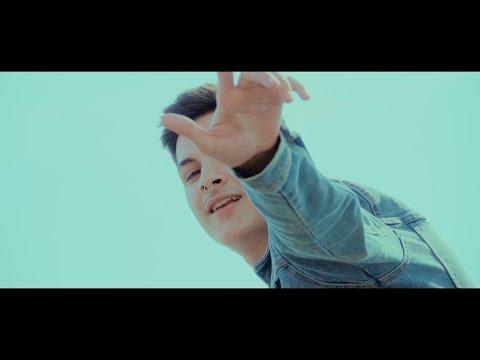 RVFV - ✨DIFERENTE✨ (VIDEOCLIP)