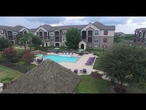 Boulder Creek Luxury Apartments - San Antonio, TX