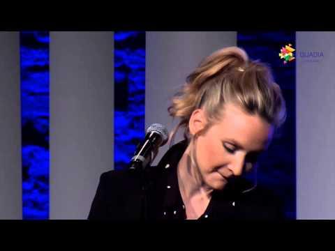 "Leslie Clio: ""Be with You"" bei der Preisverleihung 2015"
