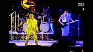 The Who - Intro Live At the Shea Stadium 1982