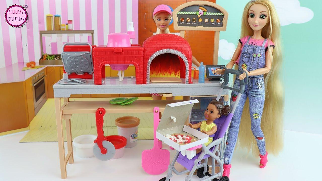 Rapunzel Compra Pizza Para La Bebe En La Nueva Pizzeria De Barbie