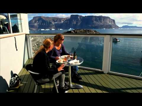 A cruise along the coast of Greenland