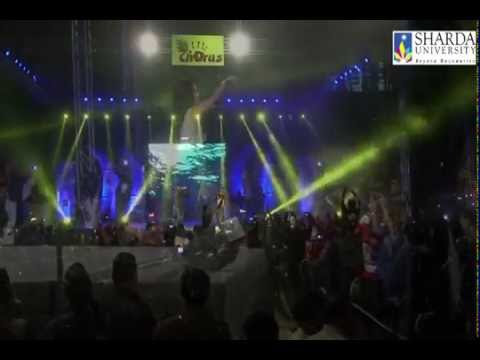Yaariyan Sunny Sunny (Aaj Blue Hai Pani Pani) - Neha Kakkar @ Sharda University
