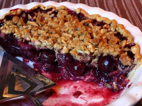 Cherry Pie with Almond Crumb Topping - Cherry Streusel Pie