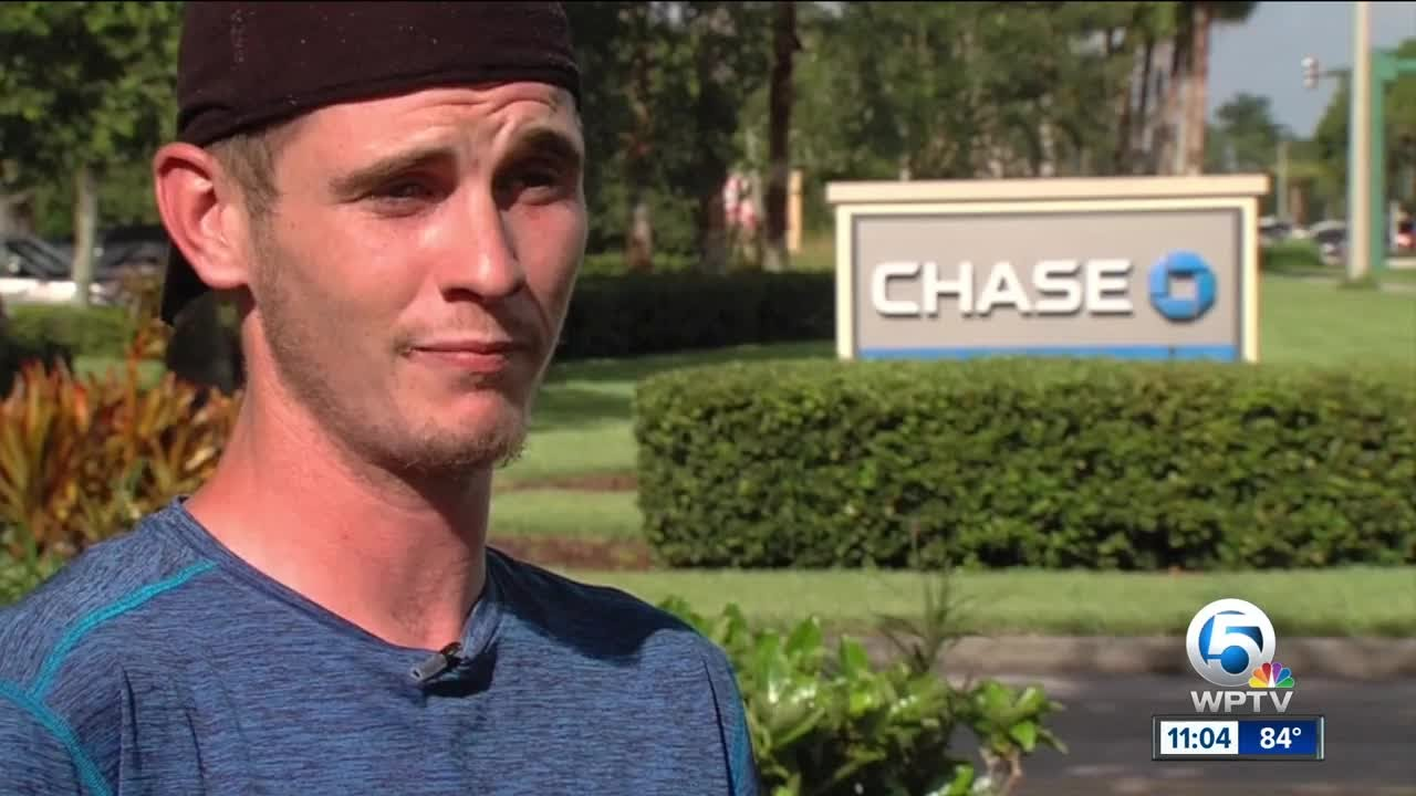 Port St  Lucie man says Chase Bank ATM took cash, did not deposit in account