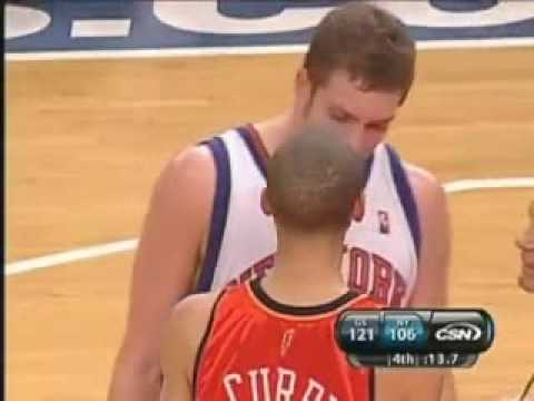 Stephen Curry blocks David Lee and David Lee cries about it