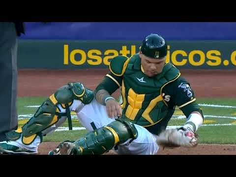 Bruce Maxwell gets hit by a foul stays in game