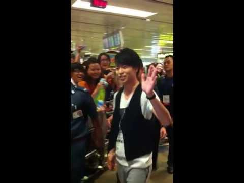 130725 Sakurai Sho arriving in Singapore