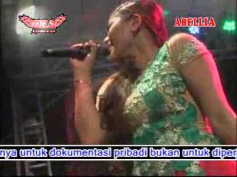 Badai Biru   Ayu Arsita   New Abellia Live Kedamean Kendang Cak Met Np 2015