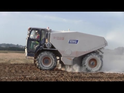 a-mag petty-spreader 4x4 Lime Spreader Working