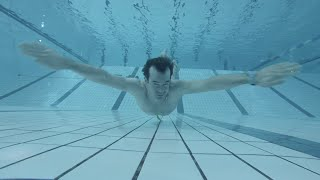How to swim to the bottom of the pool (dive deeper underwater)