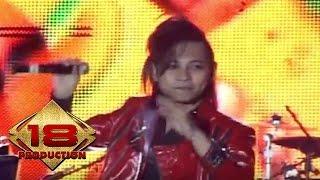 J-Rocks - Falling In Love (Live Konser Surabaya 2 Juli 2011)