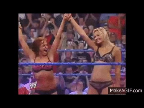 Rare Match: Stacy Keibler VS Christy Hemme Lingerie Pillowfight