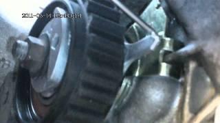 Citroen Berlingo 1.4 Замена ремня ГРМ и натяжного ролика(Может кому пригодится мой ролик, машиной занимаюсь сам., 2011-03-29T01:45:26.000Z)