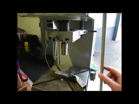 WMW WMW PYE 10 x 250 Single Column Press - Hydraulic
