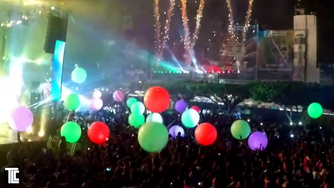balls up spike light grin product lighting led large studios
