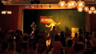 Moviendo Caderas - (feat. Daddy Yankee) Yandel - Zumba Annelie