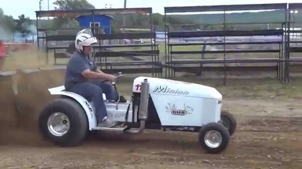 26x12x12 Pulling Tires : Minion tire tracteur tractor pulling youtube