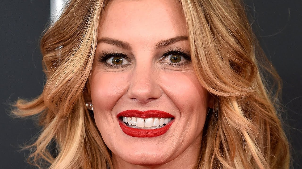 Celebs Who Made Fools Of Themselves At Awards Shows