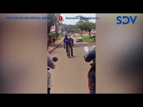 Man shocks Kampala residents while cycling a long distance while facing backwards