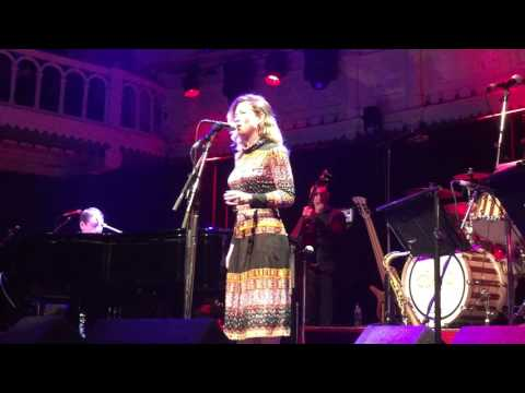Beth Rowley with Jools Holland's Band - Gimme a Pigfoot