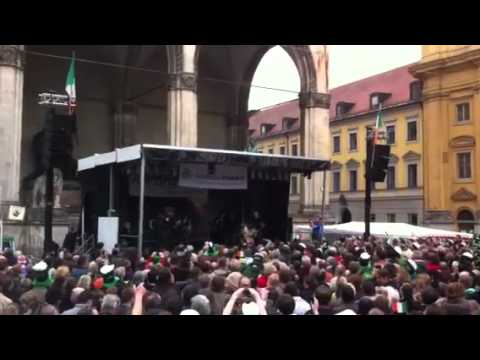 Johnny Logan Hold Me Now Munich St Patricks Day parade 2011 part 2