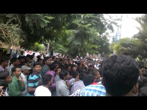 crowd at RC reddy to join groups