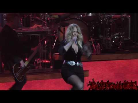Miranda Lambert Live - Gunpowder & Lead - Uncasville, CT (February 4th, 2017) [1080HD]