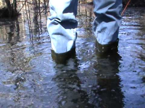 Rubber boots in water M2U00265.MPG