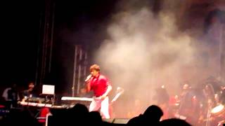 "Sonu Nigam Sings & Dances on one of his Favourite - ""Bijuriya"" live in Mumbai :)"